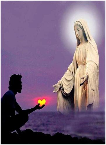 Reina-de-las-Familias-oracion-a-maria-para-orar-en-familia